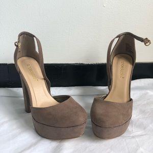 ⭐️Shoe Dazzle Platform Heels